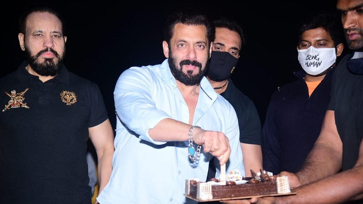 Salman Khan Celebrates His Birthday at Panvel Farmhouse