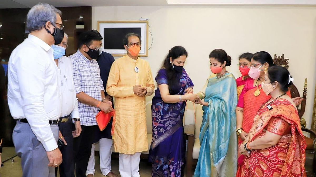 Urmila Matondkar Joins Shiv Sena in Presence of Uddhav Thackeray