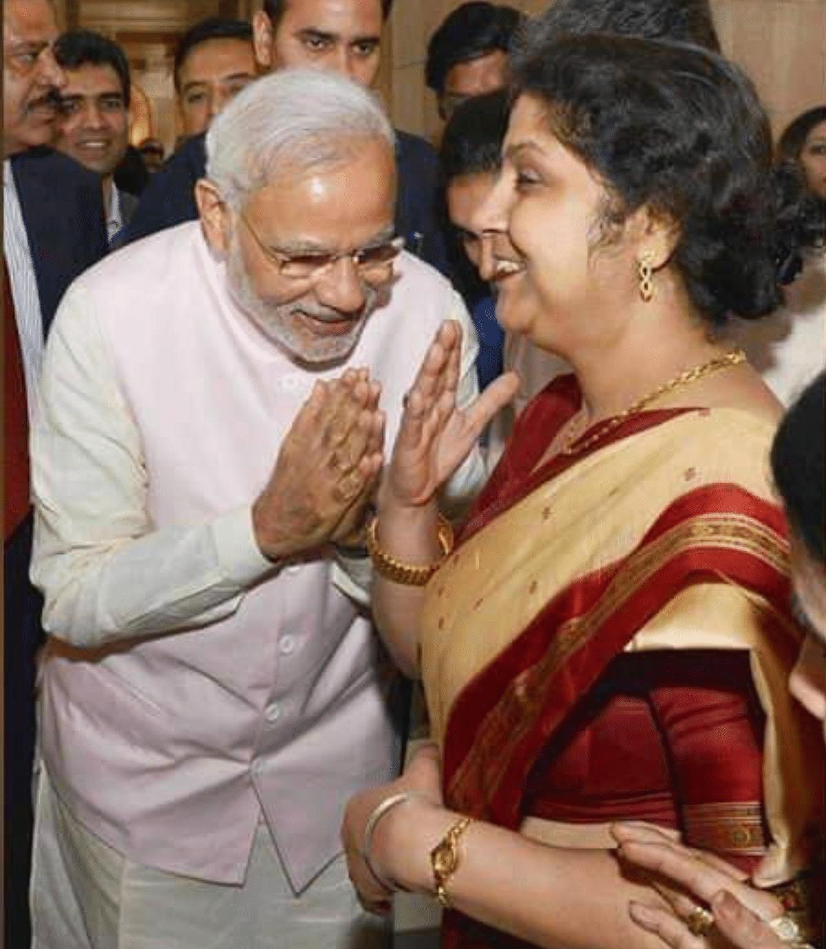 Images of Modi Greeting Women Misidentified As Gautam Adani's Wife