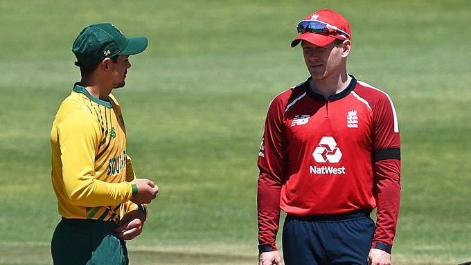 Quinton de Kock and Eoin Morgan at the toss.