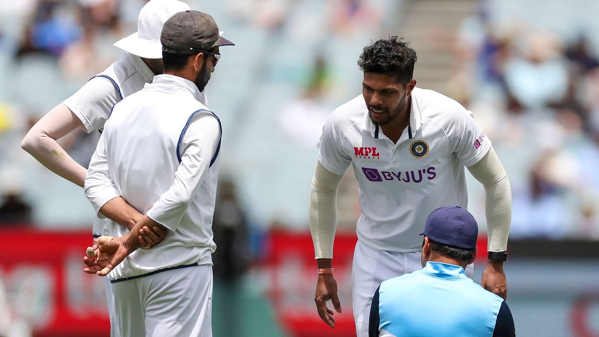 Umesh Suffers Injury During Australia 2nd Innings, Taken for Scans