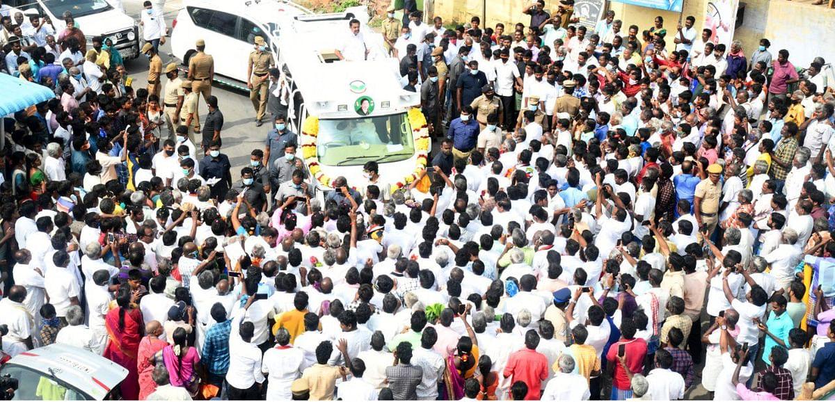 CM Edappadi Palaniswami campaigning in Jalakandapuram in Salem.
