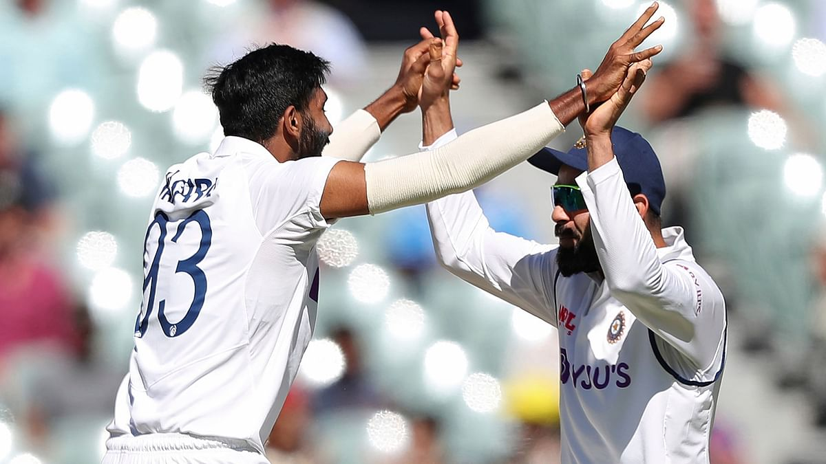 At Tea on Day 2, Australia have been reduced to92/5 with Ashwin picking 3 wickets.