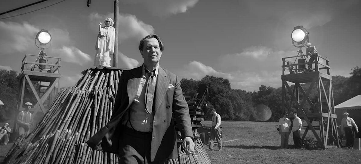 Gary Oldman as <i>Citizen Kane</i> writer Herman J. Mankiewicz in <i>Mank</i>.