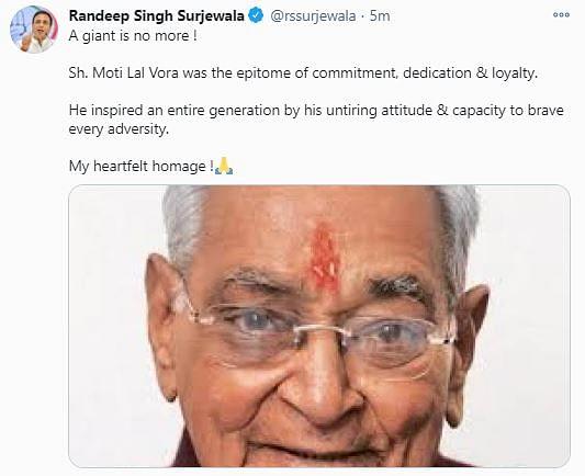 Congress spokesperson Randeep Surjewala tweeted his condolences.