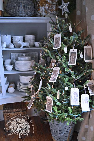 A family photo themed Christmas tree.