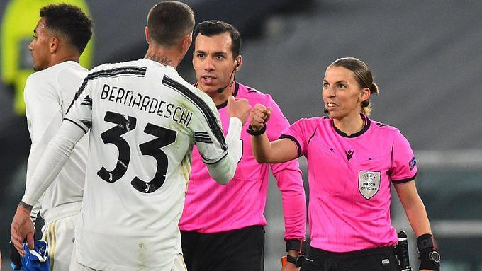 Referee Stephanie Frappart during the Juventus-Dynamo Kyiv game.