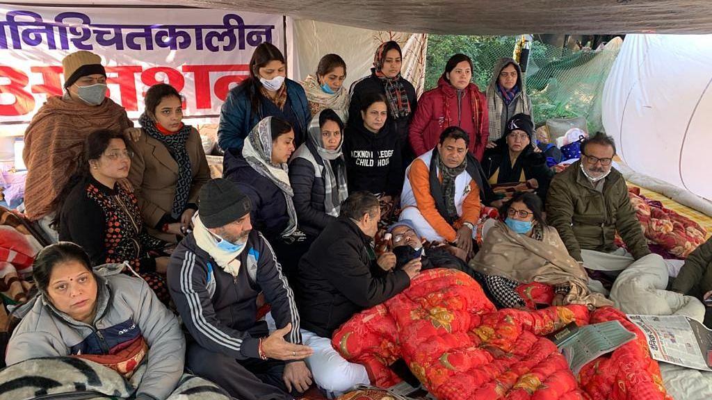 Mayors of BJP-Led MCDs End Protest Outside CM Kejriwal's Residence