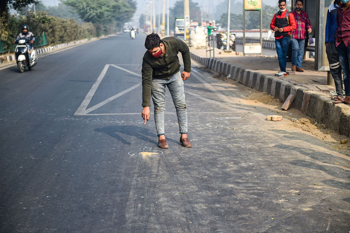 A scene at the site of an encounter that took place in Shakarpur area of East Delhi, Monday,  7 Dec, 2020. The police arrested five persons after the encounter, and it is suspected that some of them might have links to terror groups.