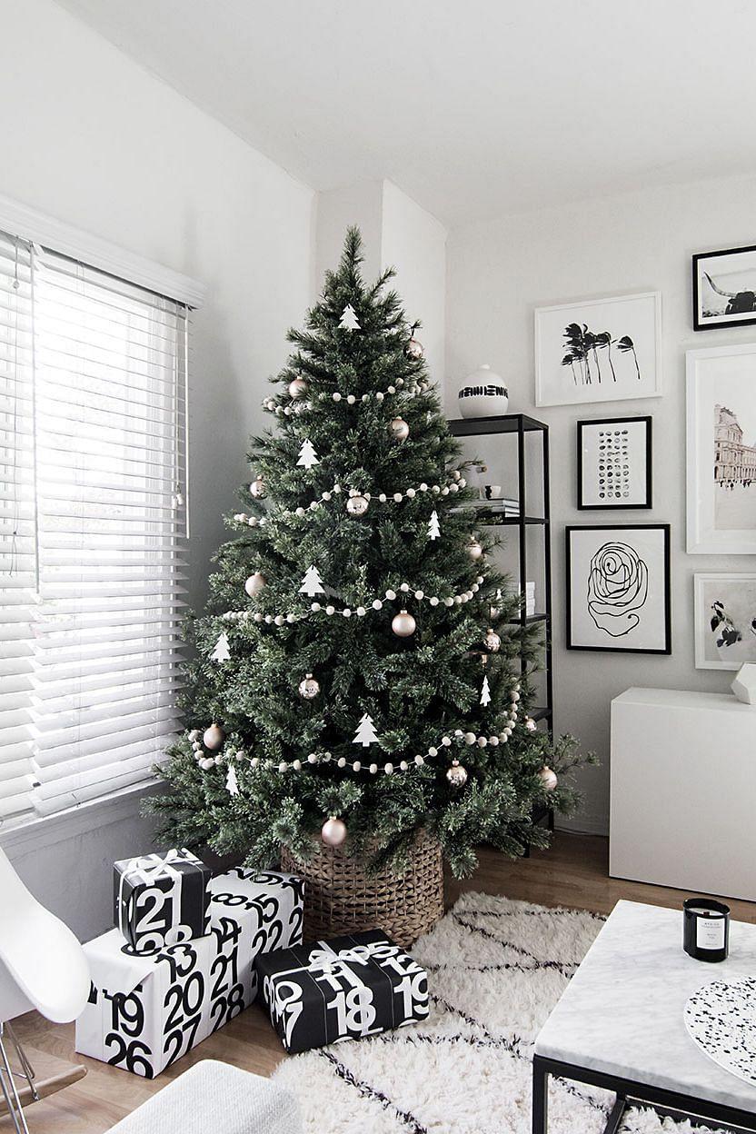 A minimalistic Christmas tree.