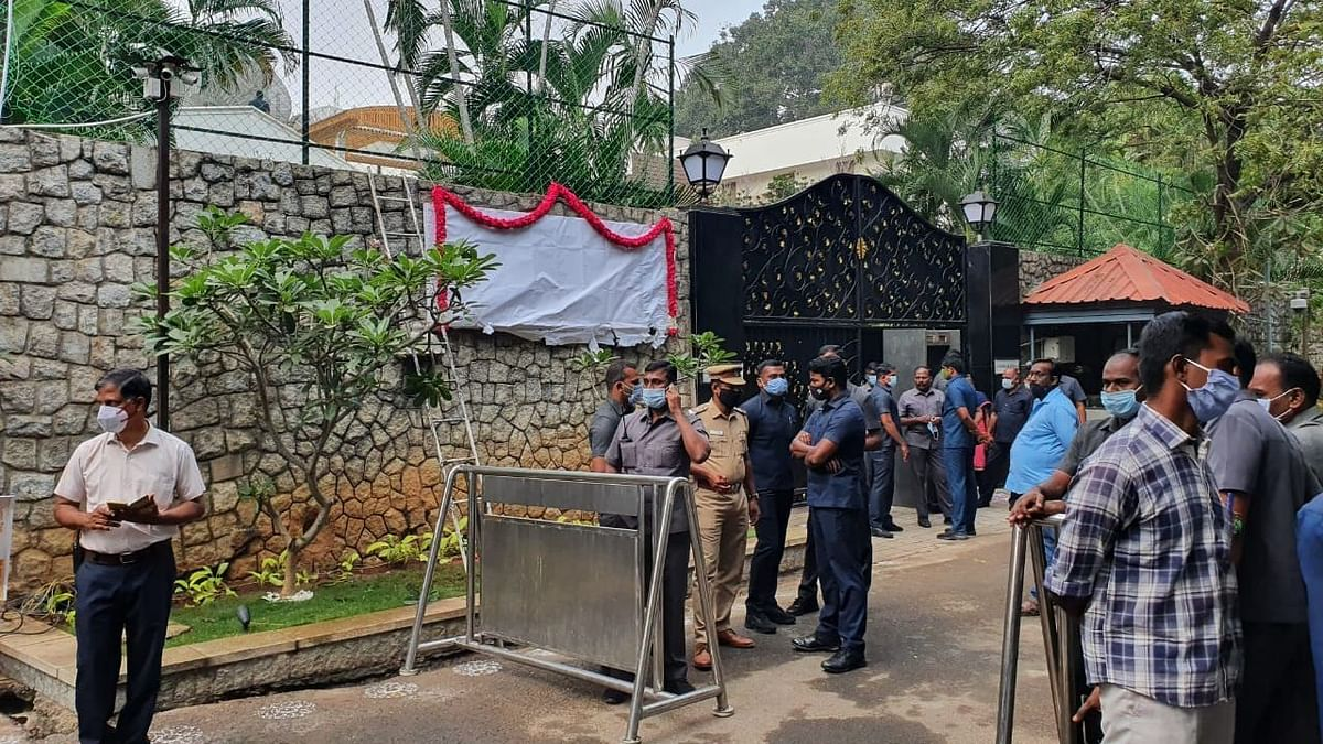 Gold and Silver: What's there in Jayalalithaa's 'Open' House?