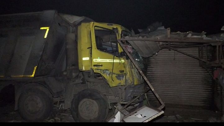 15 Labourers Sleeping near Road Crushed to Death by Truck in Surat