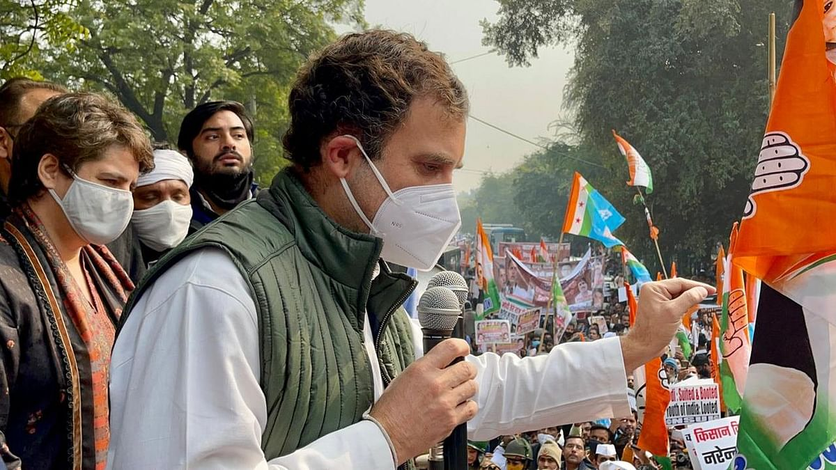 'Laws Brought to Finish Farmers': Rahul, Priyanka Protest in Delhi