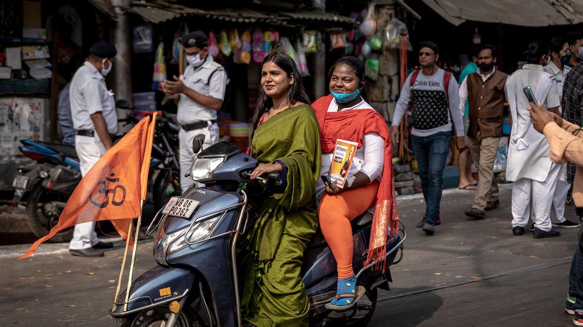 Sonali Verma (back) and Priyanka Gupta (front)