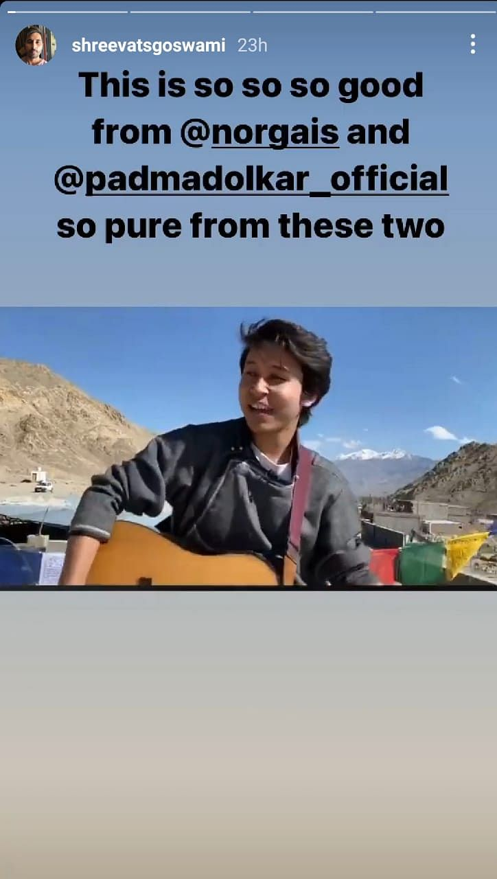 Watch: Soulful Rendition of 'Sandese Aate Hai' By Ladakhi Singers
