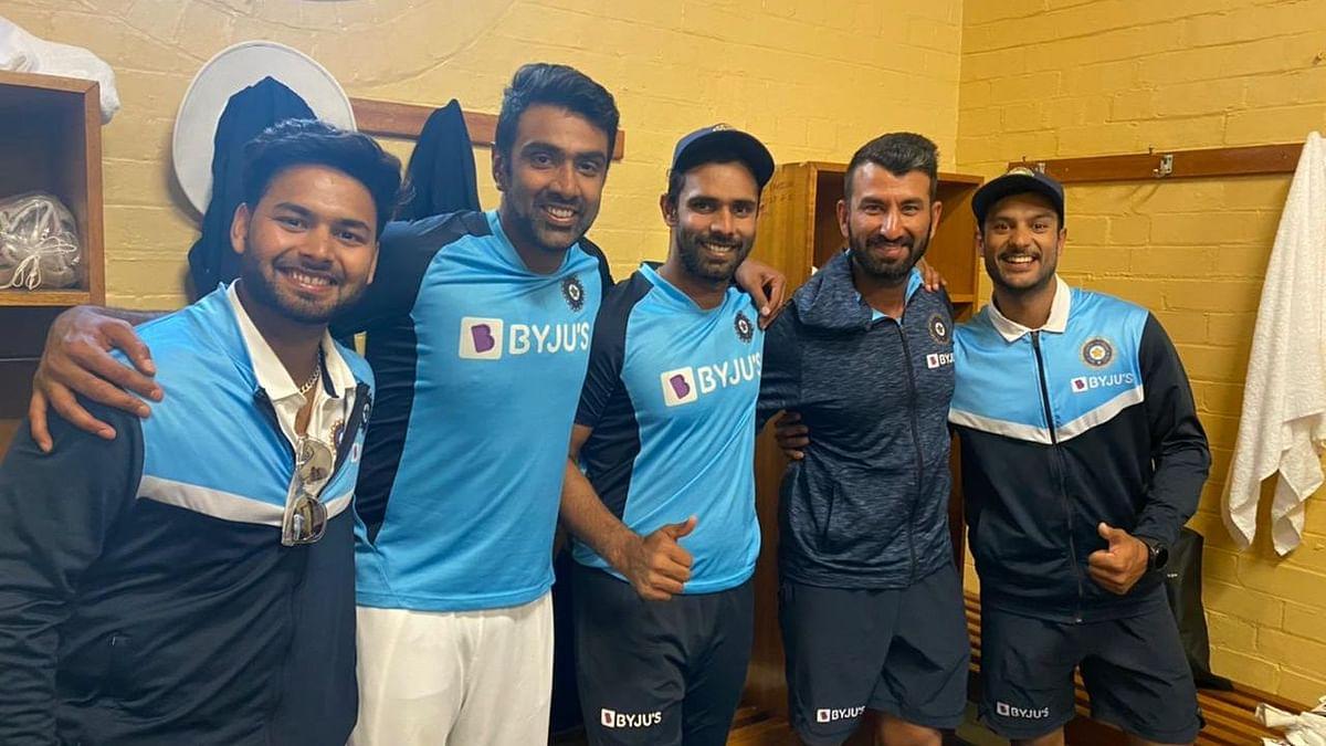 Rishabh Pant, R Ashwin, Hanuma Vihari, Cheteshwar Pujara and Mayank Agarwal in SCG dressing room.