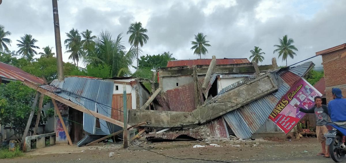 Many homes were destroyed by landslides.