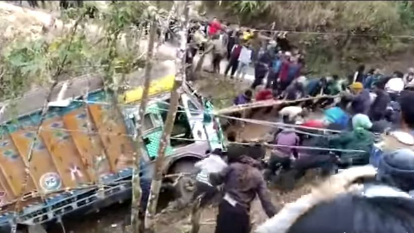An Entire Nagaland Village Gathers to Pull a Truck Out of a Gorge
