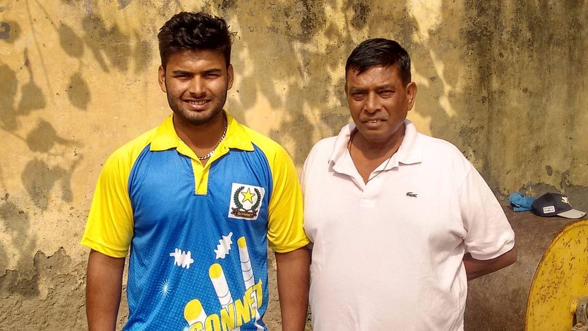 Rishabh Pant with his coach Tarak Sinha.
