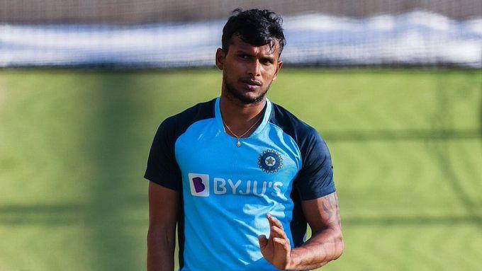 T Natarajan poses after the T20 series triumph against Australia with Virat Kohli.