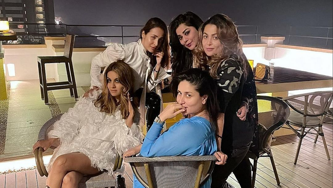 Kareena Kapoor 'Reunited' With Her Girls In Pic