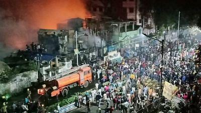 Mamata Visits Baghbazar Fire Spot, Assures Homes Will Be Rebuilt