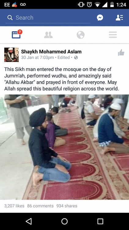 Old Image of Sikh Man Offering Namaz Revived Amid Farmers' Protest