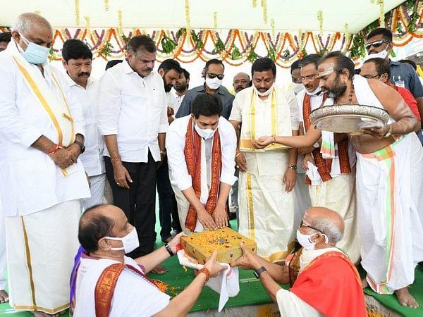 Jagan laying the foundation stone for <i>Bhoomi Pooja&nbsp; </i>in Vijayawada.