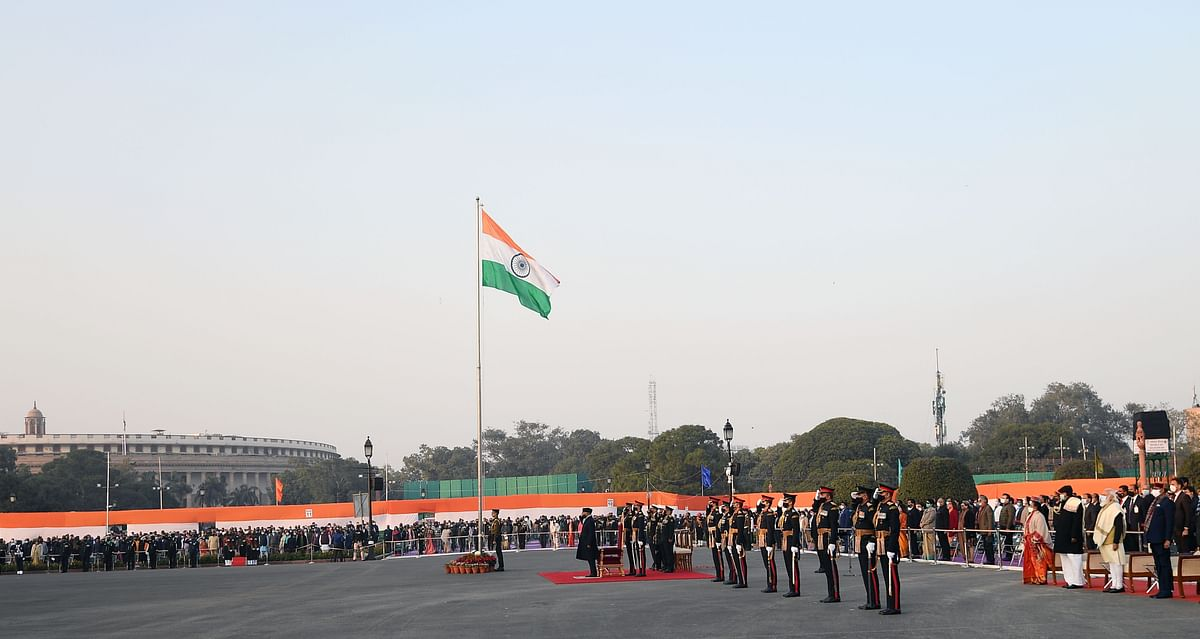 The ceremony is performed by the bands of Indian Army, Indian Navy and Indian Airforce.