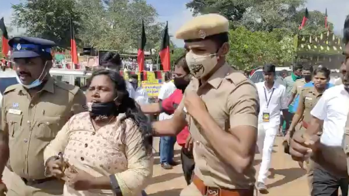 AIADMK Woman Functionary Beaten up by DMK Cadre at Stalin's Meet