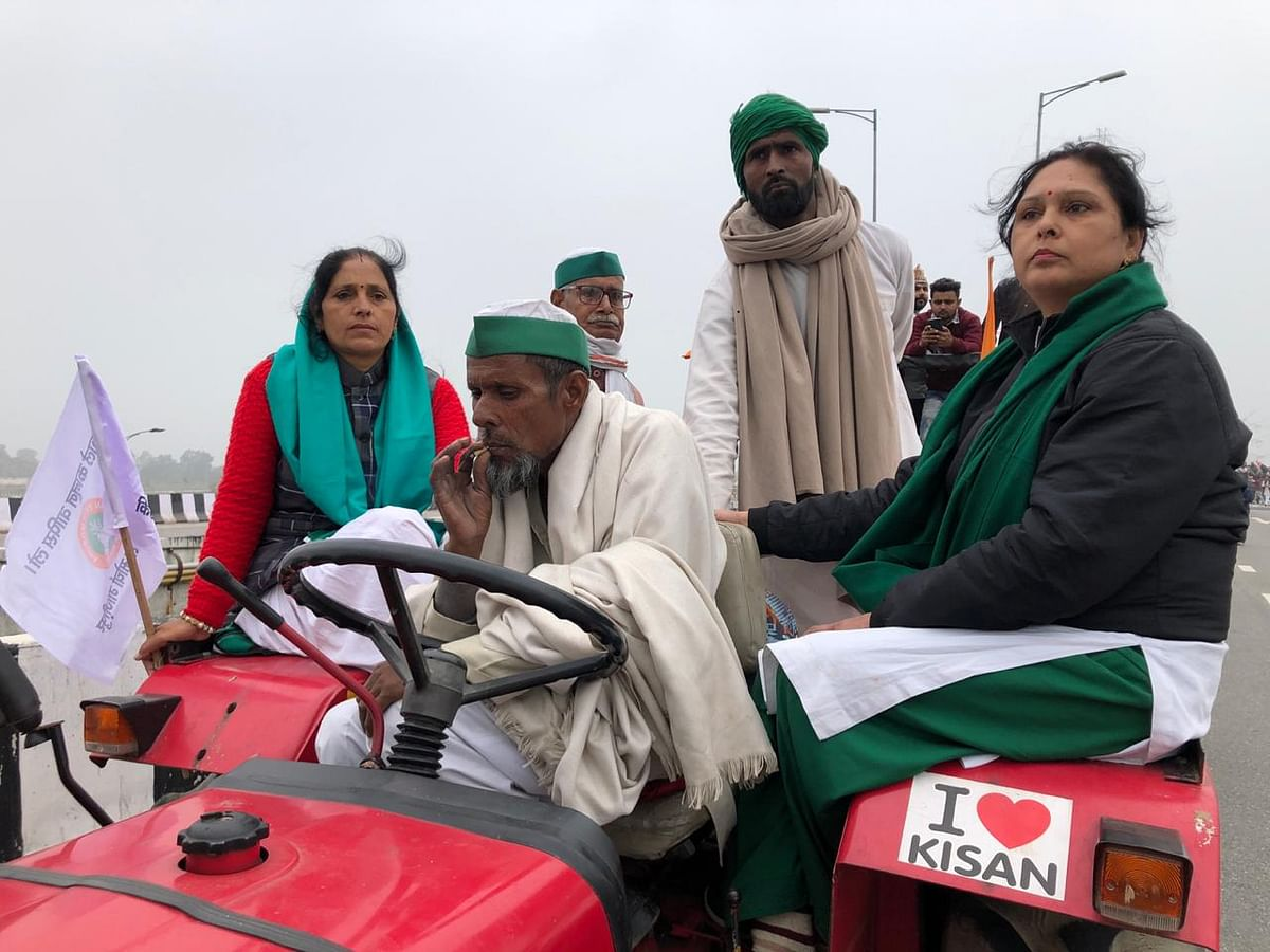 'Rehearsal for 26 Jan': Show of Strength at Farmers' Tractor Rally