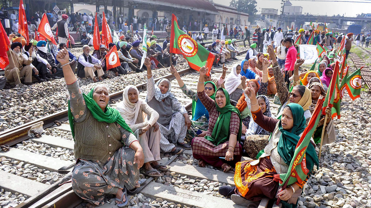 """<div class=""""paragraphs""""><p>Patiala: Members of various farmer organisations block a railway track during a four-hour 'rail roko' demonstration across the country.</p></div>"""