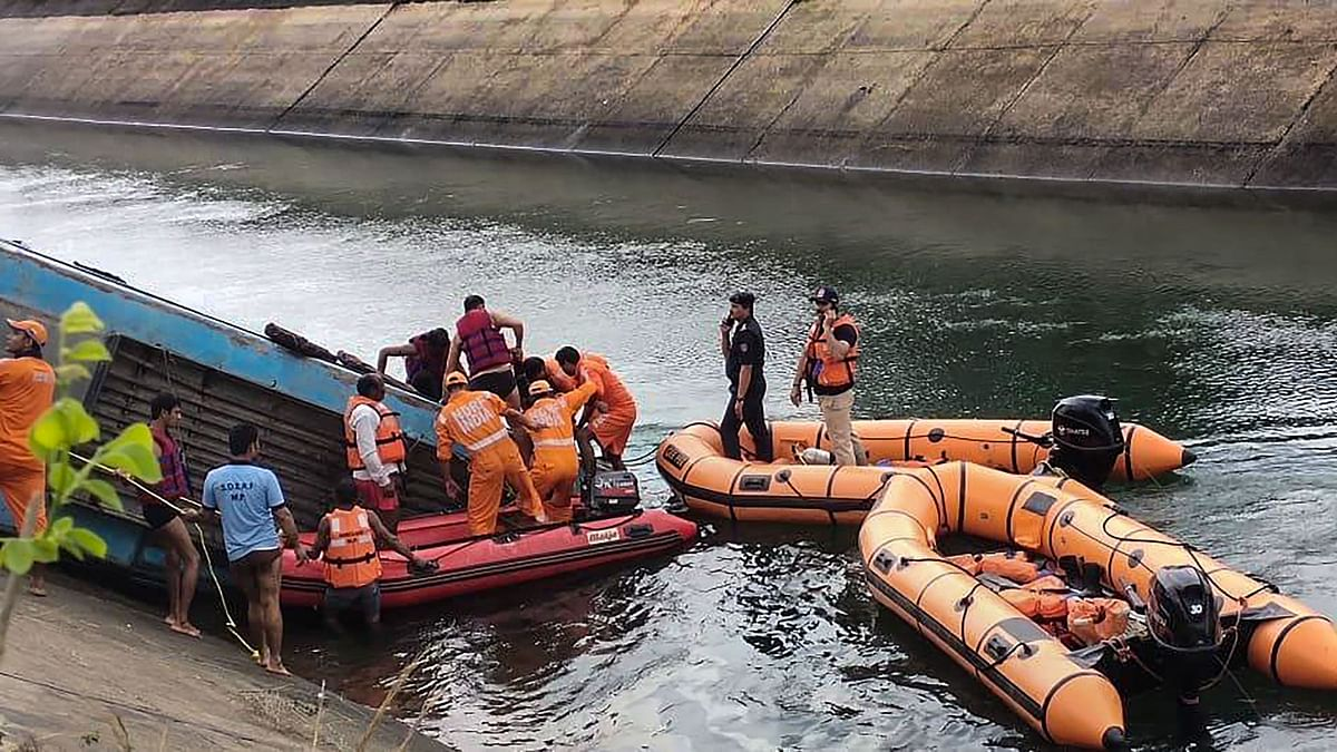 NDRF team carries out rescue operation after an overcrowded bus plunged into a canal in Sidhi district of Madhya Pradesh, on Tuesday, 16 February.