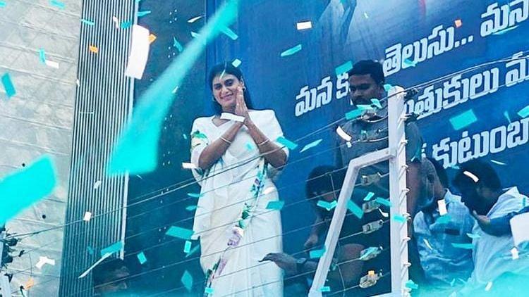 Will Bring 'Rajanna Rajyam' to Telangana, Promises YS Sharmila