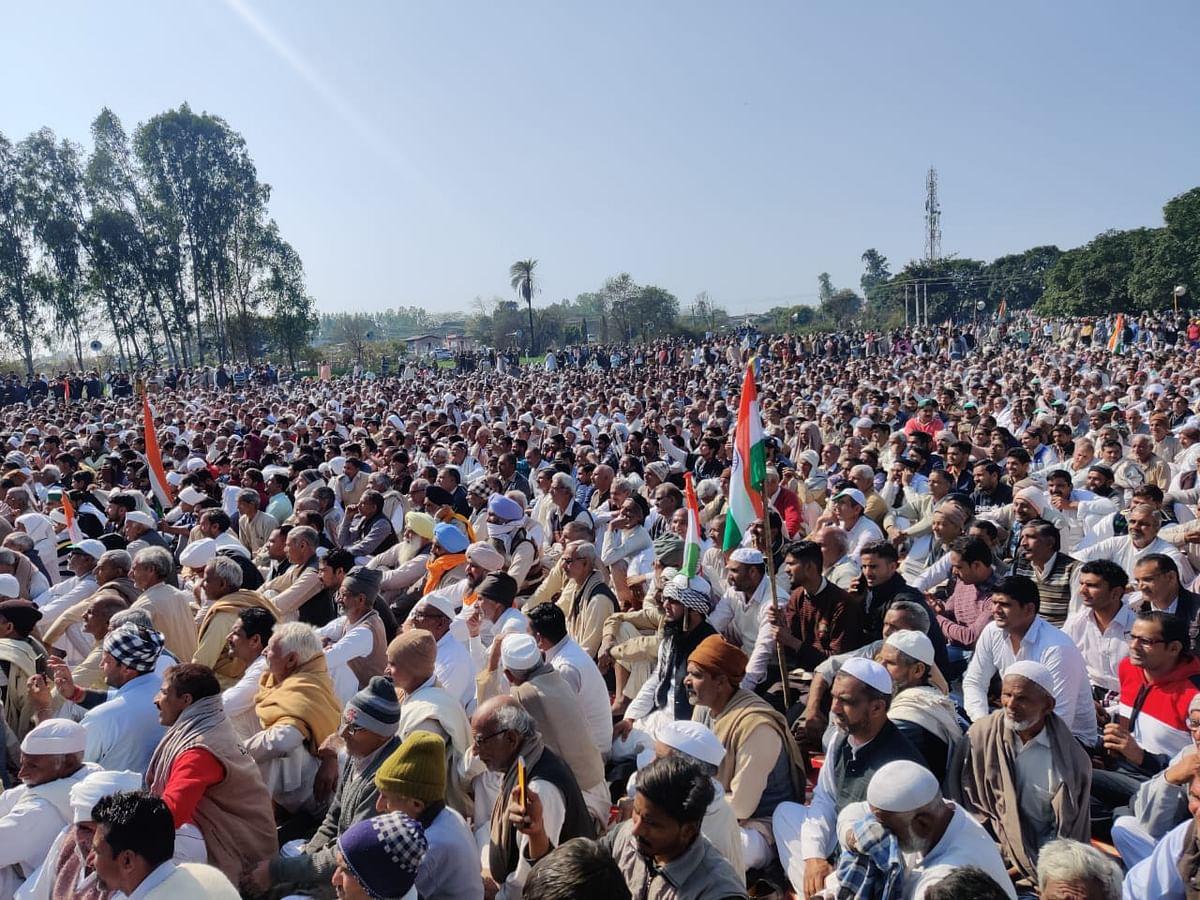 Farmers attend Kisan Mahapanchayat at Shamli in Uttar Pradesh, Friday, 5 Feb.