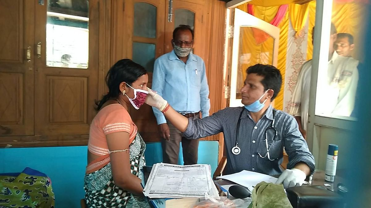 Dr Ramchandani says he charges Rs 1 so that patients don't feel they haven't paid anything for treatment.
