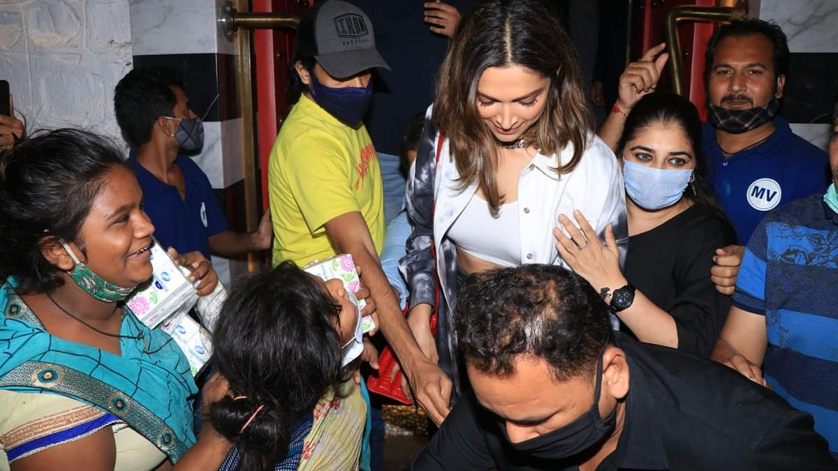 <p>Deepika Padukone was recently spotted at Khar.</p>