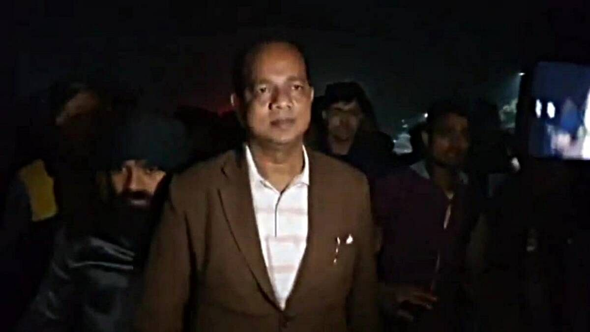<p>West Bengal Minister Jakir Hossain, seconds before he was attacked with crude bombs.</p>