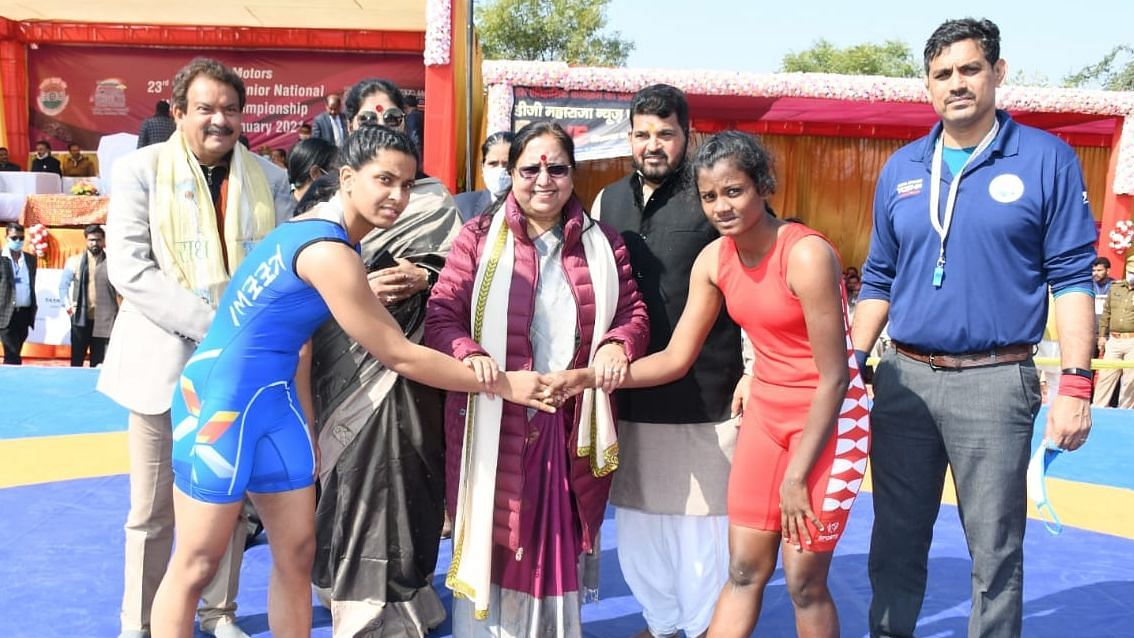 "A buffalo worth Rs 1.5 lakh is to be given to the ""best athlete"" at the National Women Wrestling Championship in Agra."