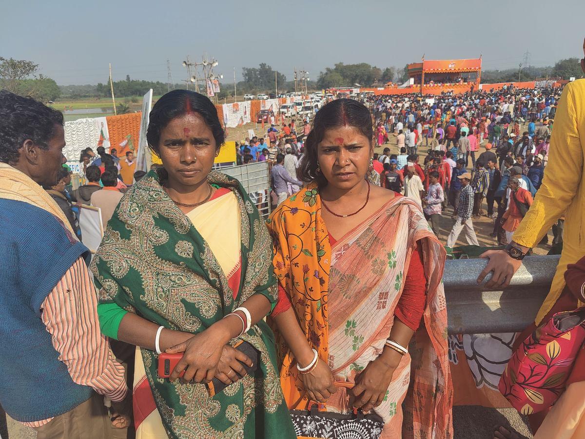 Bijoli Bagdi (left) and Unnati Bagdi (right)