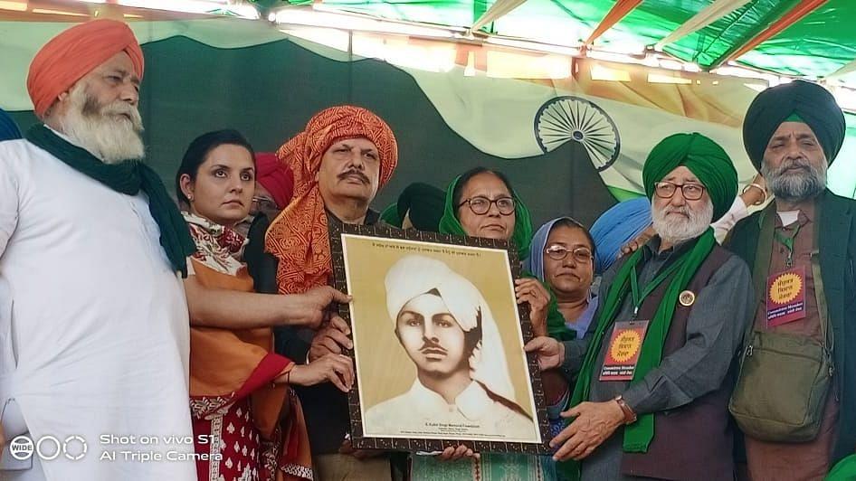 Bhagat Singh's Kin Attend Farmers' 'Pagdi Sambhal Diwas' at Singhu