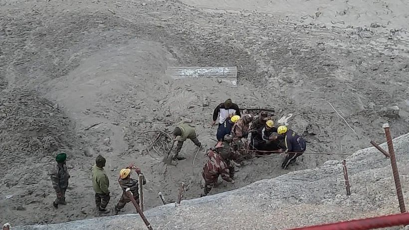 Govt Told Workers in Other Tunnel After Days of U'khand Rescue Ops