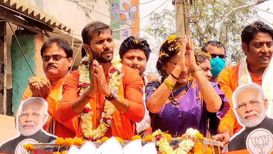 Ashoke Dinda, former India cricketer and Bharatiya Janata Party (BJP) candidate from Moyna in West Bengal's Purba Medinipur, claimed that he attacked by goons of the Trinamool Congress on Tuesday.