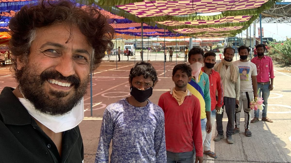How Vinod Kapri Paid Back Migrants For Helping Shape Docu 1232 KMS