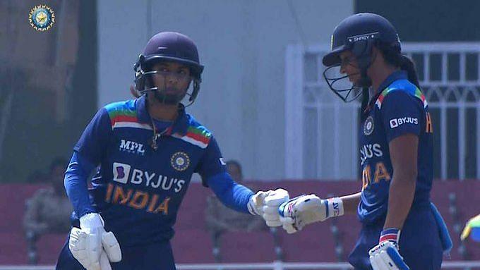Mithali Raj and Harmanpreet Kaur during their partnership.