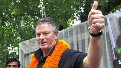 Steve Waugh being greeted by his Indian Fans.