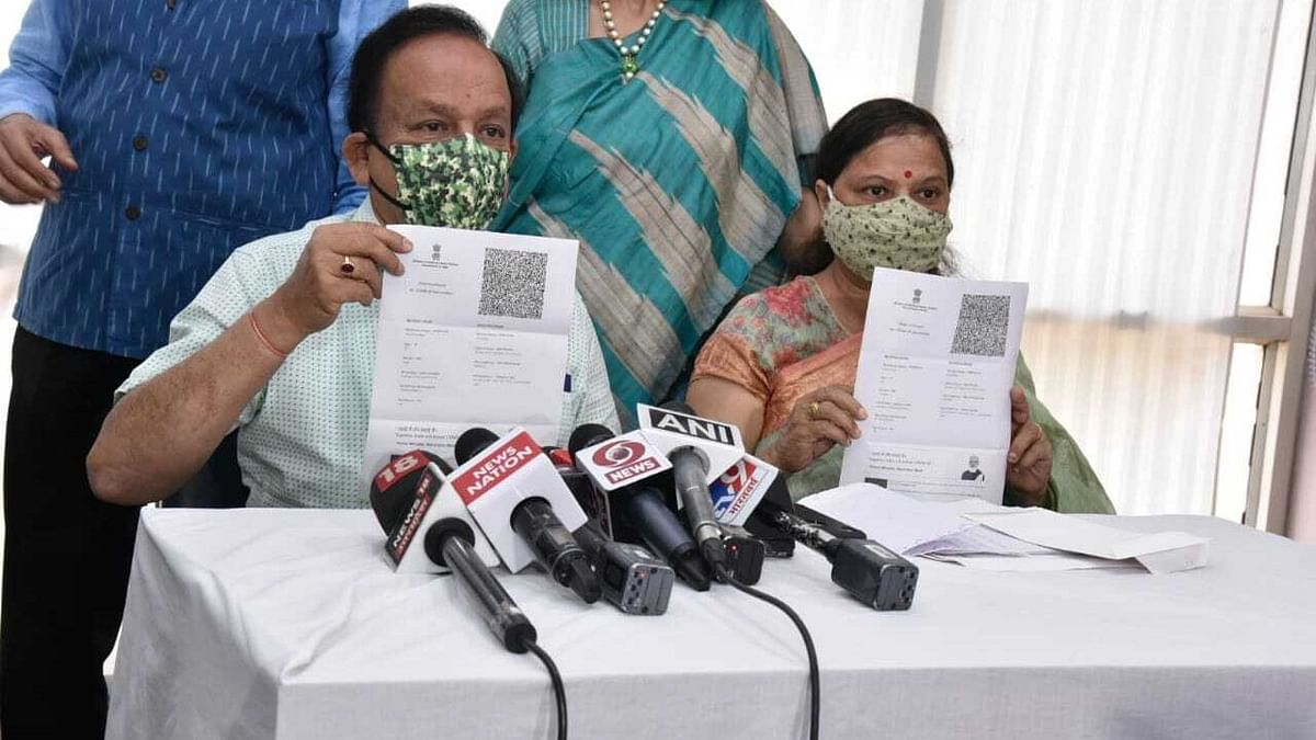 Union Health Minister Harsh Vardhan (left) on Tuesday, 30 March, received the second dose of COVID-19 vaccine at Delhi Heart & Lung Institute.