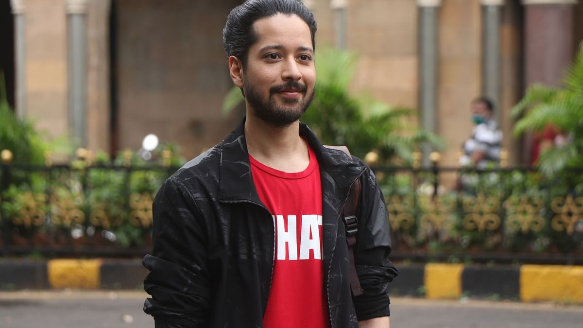 Rajat Barmecha reprises his role of Tarun Prabhu in the second season.