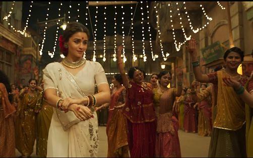 "<div class=""paragraphs""><p>Alia Bhatt in and as 'Gangubai Kathiawadi'</p></div>"