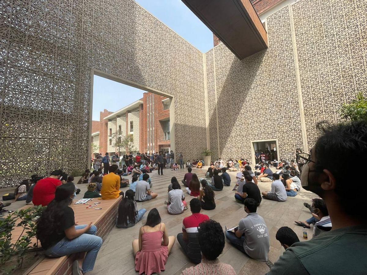 'Break Silence': Ashoka Univ Students Protest After PB Mehta Quits